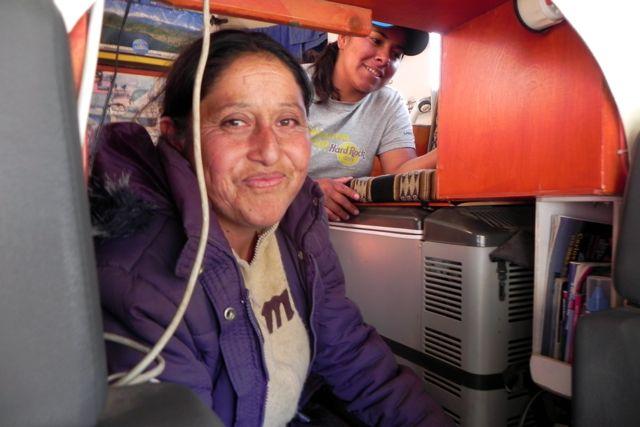 Zwei anhalterinnen wollen richtung barcelona - 3 part 6