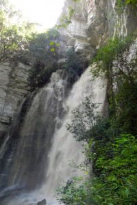 Abstieg zum Wasserfall