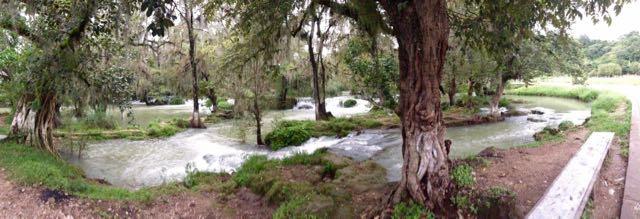 Wasserlandschaft in Tamasopo