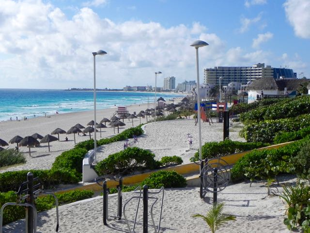 cancun-playa-delfin