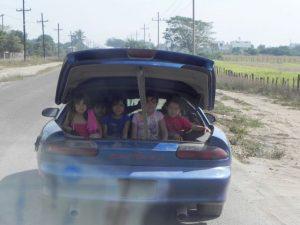 volles Mexikaner-Auto